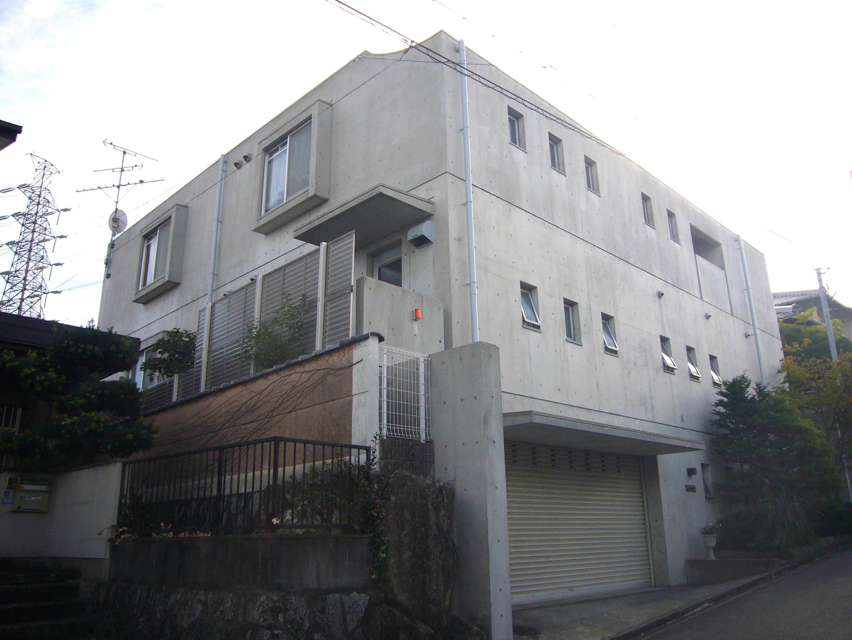 大阪府吹田市 K様邸 外壁コンクリート打ちっ放しクリヤー塗装