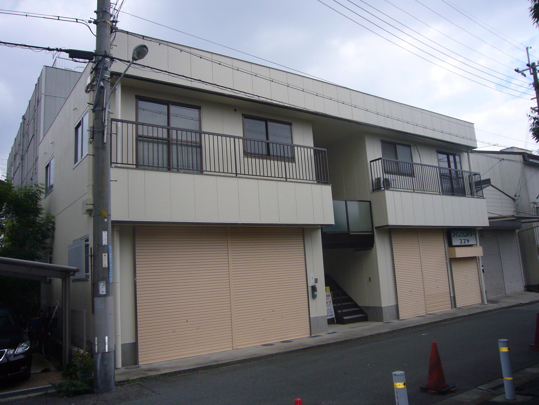 茨木市 外壁シリコン塗装・シャッター塗装