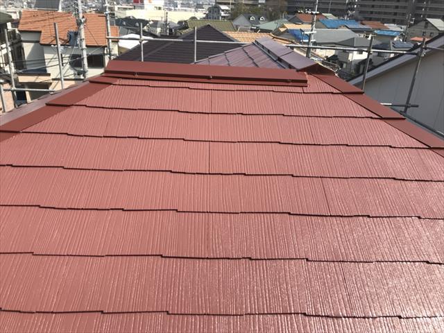 箕面市の色あせた屋根をラジカル制御塗料で塗装し生き返りました