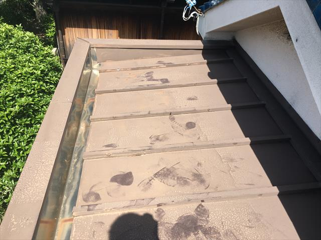 東大阪市トタン屋根→カルバリウム鋼板にカバー工法で葺き替え